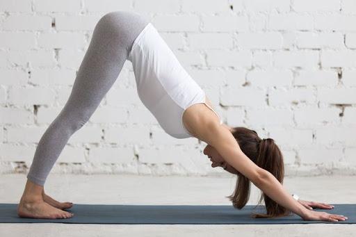có nên tập yoga thời kỳ kinh nguyệt không